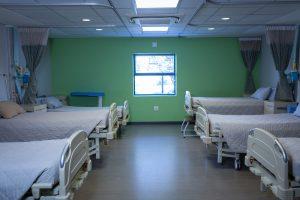 Stoły i łóżka medyczne